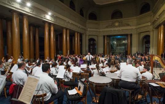 La Orquesta Sinfónica de la Policía Federal Argentina vuelve a presentarse en el Ciclo Cultural BCBA, en esta ocasión bajo la dirección del Mtro. Christina Lage.