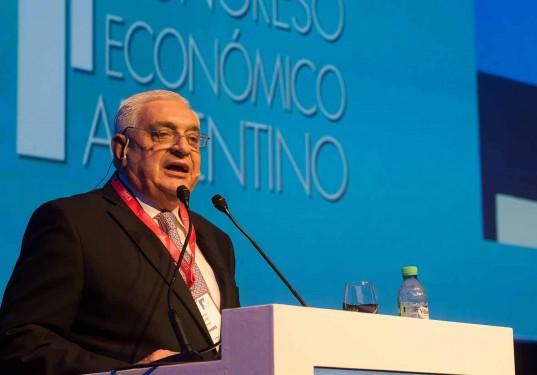 """""""Compro Argentina"""", dijo Gabbi al finalizar su discurso, en referencia al futuro del país."""