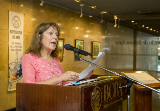 María Ester Rey, Presidenta de SIRGAR, inauguró la XXV Exposición de Arte.