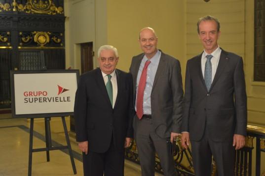 Adelmo Gabbi, Federico Sturzenegger y Patricio Supervielle, previo al acto central.