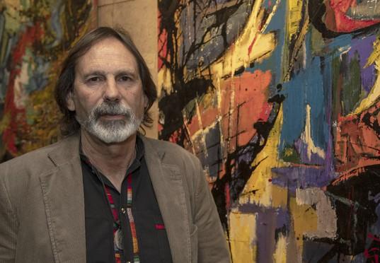"""Osvaldo E. Rodríguez y sus trabajos """"Renacer"""" y """"Miedos II""""."""